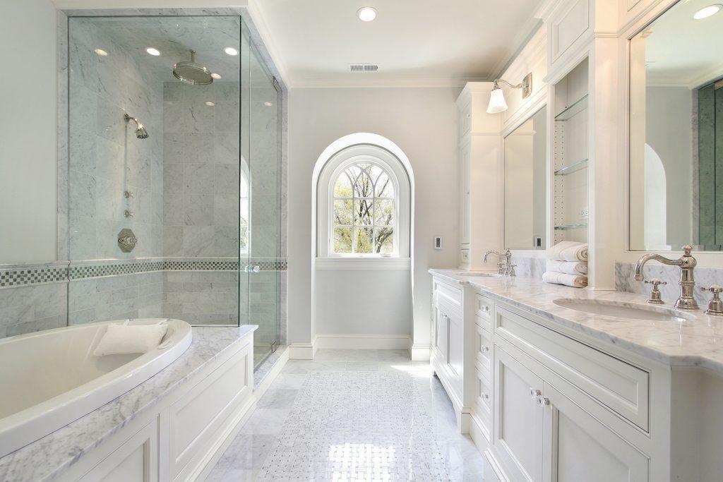 Color and Decor Bath